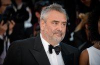 Vu sur le Web: Luc Besson condamné, Godard repéré et Eva Longoria indignée