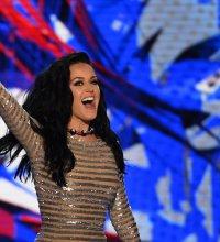 Pourquoi Katy Perry veut-elle voter nue ?