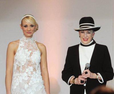 Miss France : Elodie Gossuin a refusé de succéder à Geneviève de Fontenay