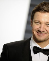 Jeremy Renner incarnera Doc Holliday dans un biopic