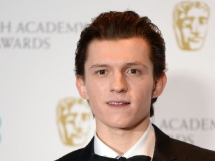 Tom Holland veut jouer James Bond (ou Batman)
