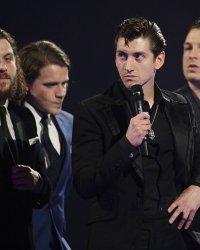 Le groupe Arctic Monkeys, de retour en studio ?