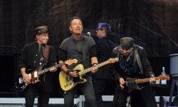 Bruce Springsteen fait sauter les plombs lors d'un concert épique à Bercy
