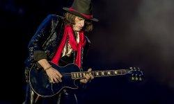 Le guitariste d'Aerosmith victime d'une crise cardiaque sur scène