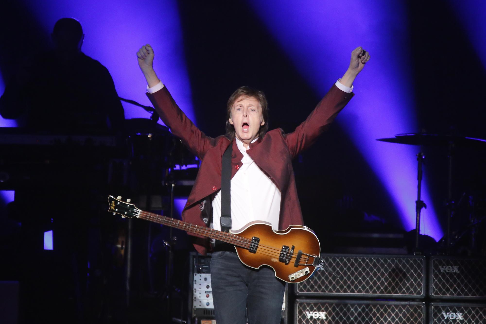 Paul McCartney poursuit Sony pour récupérer les droits des chansons des Beatles