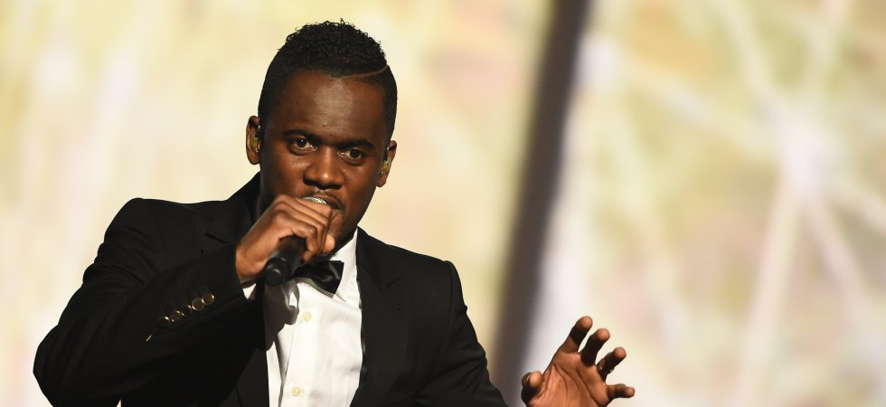 Black M : son t-shirt en hommage à Adama Traoré flouté par W9 dans un clip