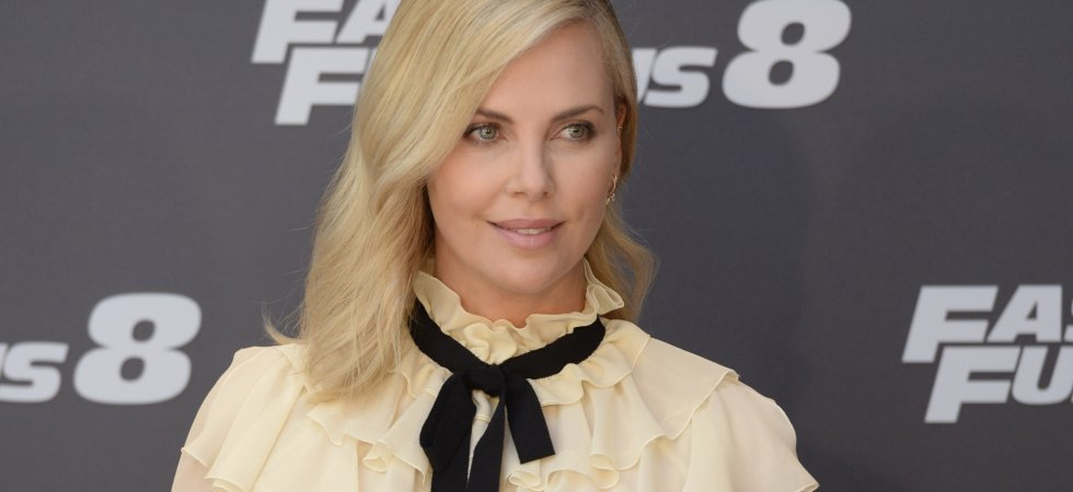 "Charlize Theron a ""honte"" de travailler à Hollywood"