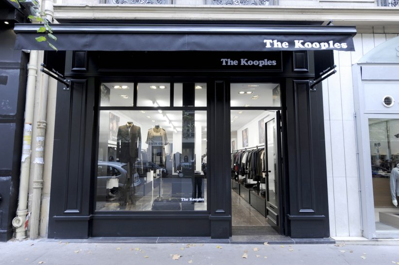 Boutique The Kooples, avenue Victor Hugo à Paris, dans le 16ème arrondissement.