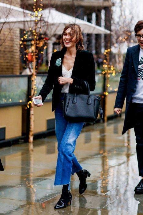 Alexa Chung ose la veste en velours