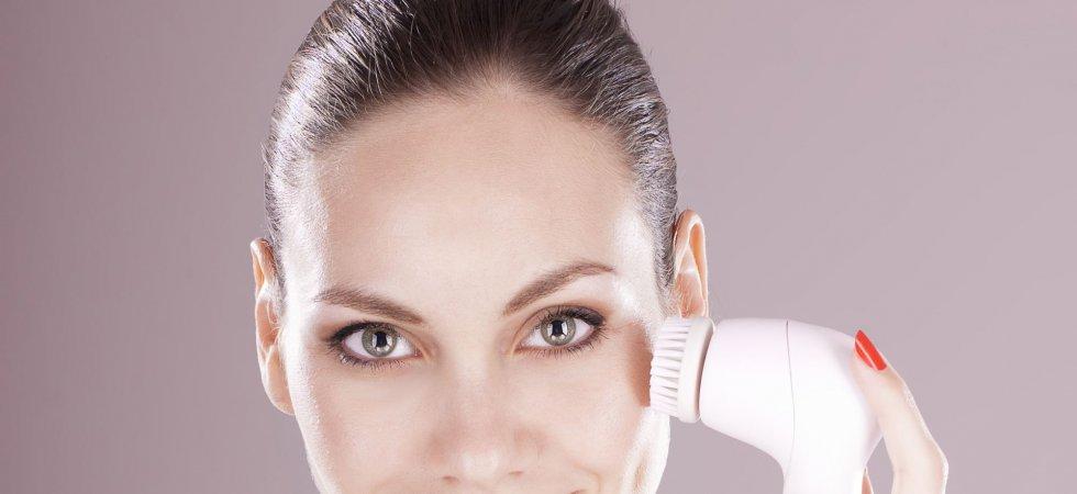 Brosses nettoyantes pour le visage, bonne ou mauvaise idée ?