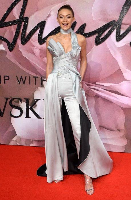 Gigi Hadid durant les British Fashion Awards au Royal Albert Hall de Londres, le 5 décembre 2016.