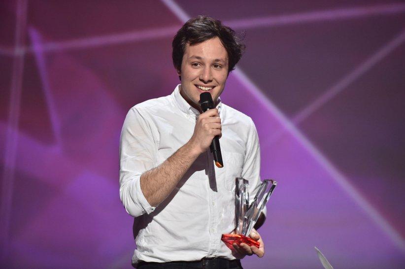 Vianney est sur la scène du Zénith de Paris pour les 31e Victoires de la Musique, le 12 février 2016.