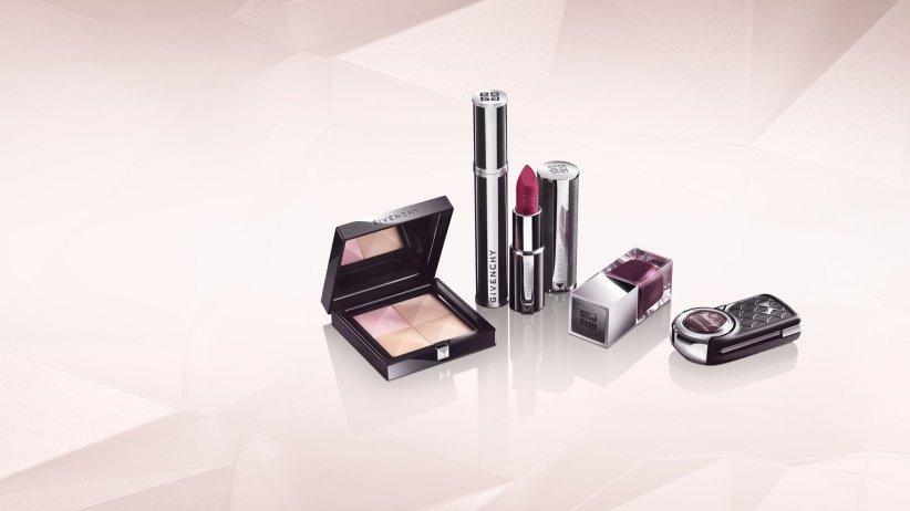 Le kit de maquillage Givenchy livré avec la DS 3 est composé d\