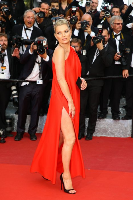 Kate Moss sur le tapis rouge du 69ème Festival de Cannes, le 16 mai 2016.