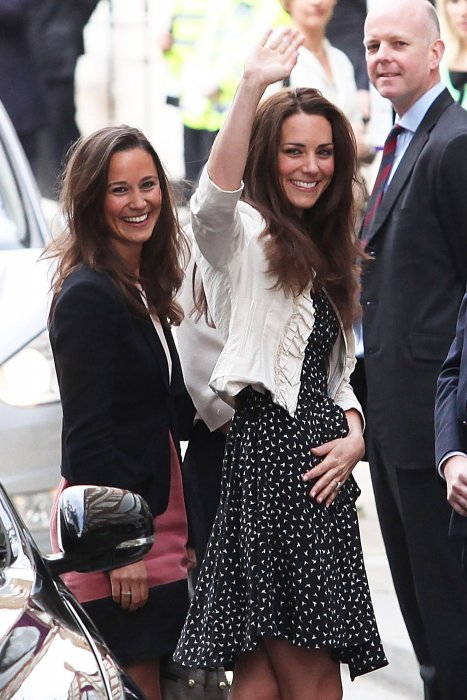 Pippa et Kate Middleton arrivent à l\