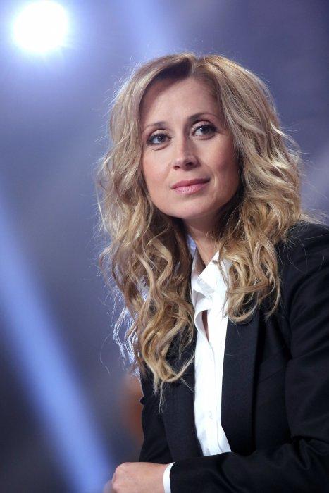 Portrait de Lara Fabien réalisé en décembre 2015.
