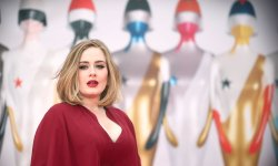 Adele : future mère porteuse ?