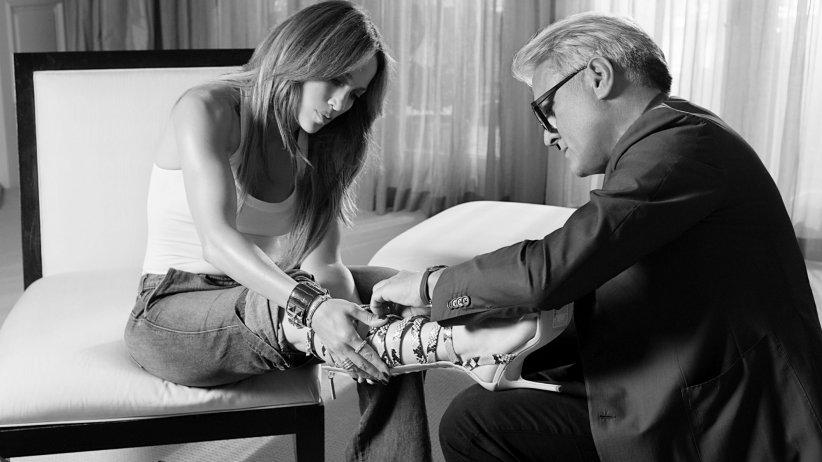 Giuseppe Zanotti x Jennifer Lopez : disponible dès janvier 2017 sur giuseppezanotti.com.