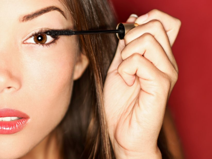 Le mascara solide : pour un regard de pin-up.