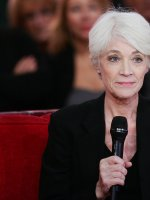 """Françoise Hardy dit tout sur ses relations """"sadomasos"""" avec Jacques Dutronc"""