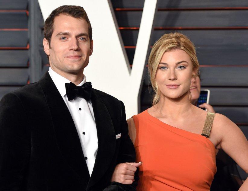 Henry Cavill et sa compagne Tara King assistent à la soirée Vanity Fair Oscar Party après la 88e cérémonie des Oscars, à Los Angeles, le 28 février 2016.