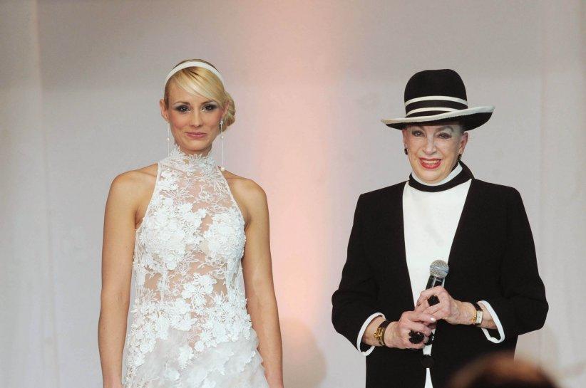 Elodie Gossuin et Geneviève De Fontenay, lors de la cérémonie Miss Prestige Nationale 2011.