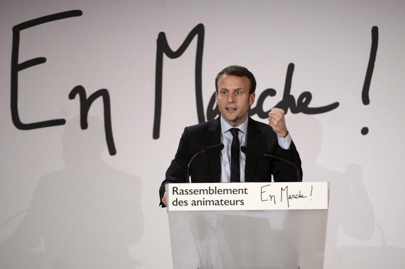 Emmanuel Macron fait son speech durant un meeting à Paris, le 5 novembre 2016.