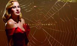 Charlotte Olympia x M.A.C : la collab' make-up aux allures rétro