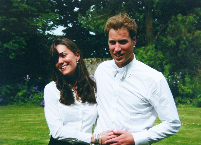 Kate Middleton et le prince William, le jour de leur remise des diplômes à St Andrews en Ecosse, en juin 2003.