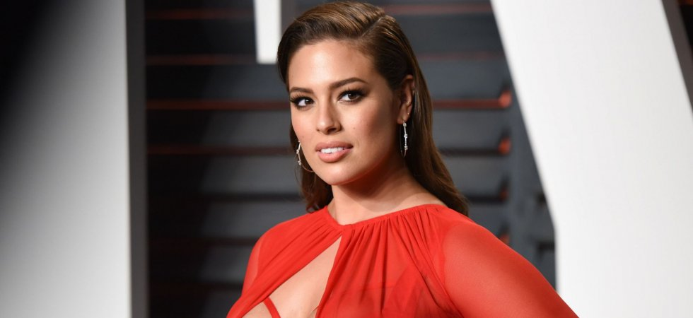 Le top plus size Ashley Graham lance sa collection de maillots de bain