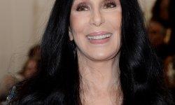 """Cher : """"Si je mets 70 bougies sur mon gâteau, je me fais sauter la cervelle"""""""