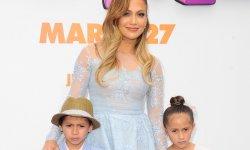"""Jennifer Lopez ne veut pas scolariser """"normalement"""" ses enfants !"""