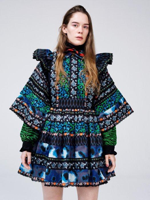 H&M lève le voile sur sa collaboration avec Kenzo et cette robe folklorique en fera partie.