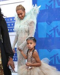 Cette robe de la fille de Beyoncé qui coûte plus qu'un SMIC !