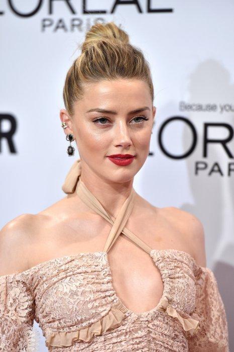 """Amber Heard assiste à la remise de prix des """"Glamour Women Of The Year"""" à Los Angeles, le 14 novembre 2016."""