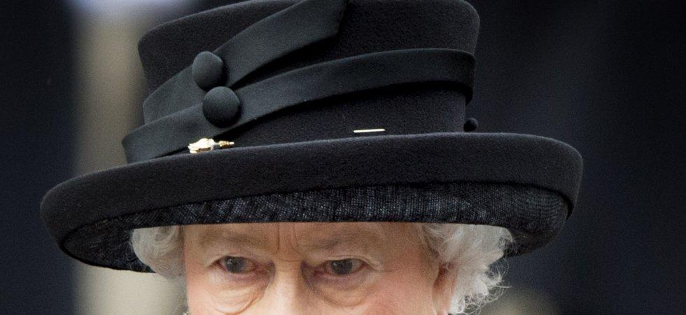Elizabeth II : la reine obligée de rendre sa couronne ?