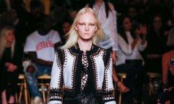 Givenchy ouvre son défilé au public