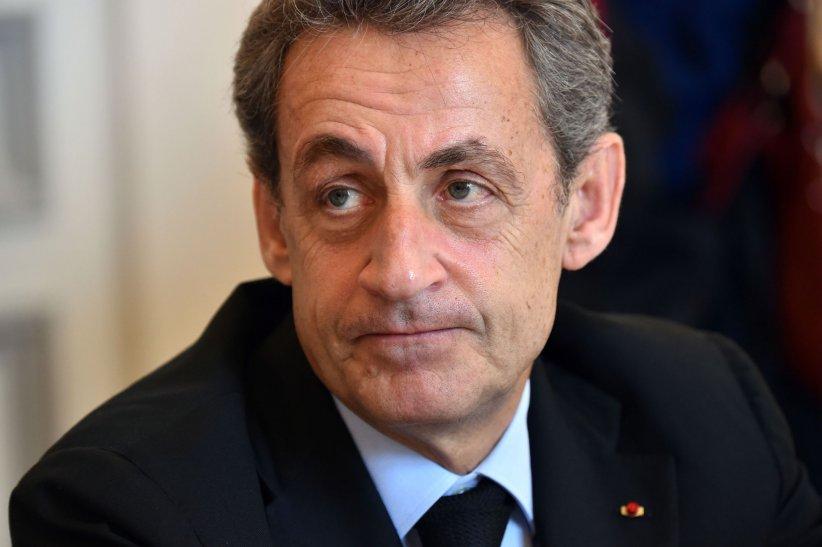 Nicolas Sarkozy rencontre le maire de Cannes, David Lisnard, dans son bureau le 02 juin 2016.