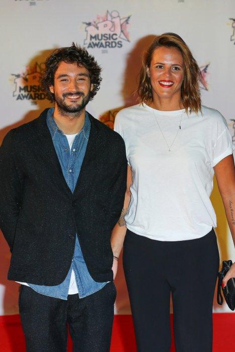 Jérémy Frérot et Laure Manaudou lors des 17e NRJ Music Awards à Cannes, le 7 novembre 2015.