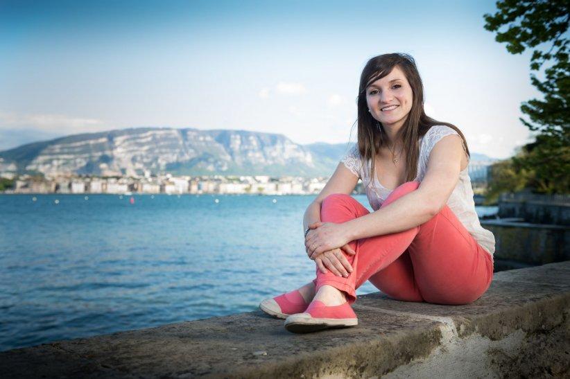Noëmie Honiat, prend la pose au bord du Lac Léman à Genève, le 04 mai 2013.