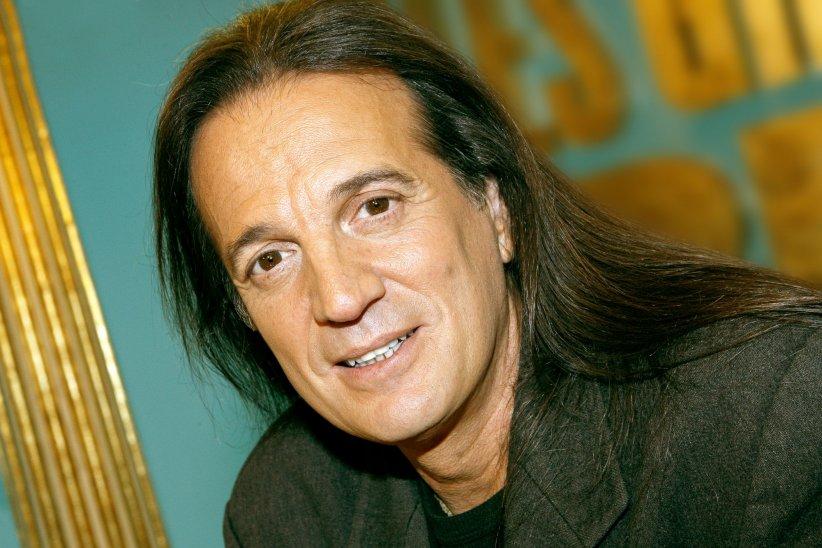 Portrait de Francis Lalanne réalisé en mars 2012.