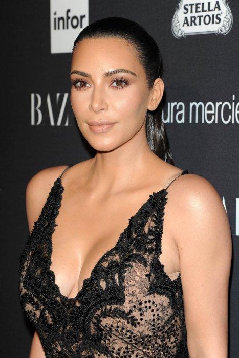 Kim Kardashian lors de la soirée organisée par le Harper\