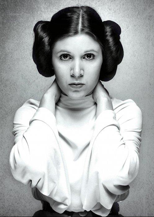 Carrie Fisher en princesse Leia dans Star Wars en 1977.
