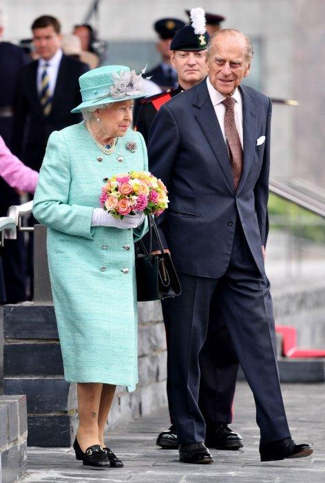 Elizabeth II et le prince Philip se rendent à l\