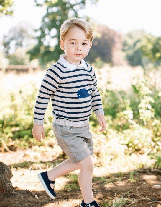 Photo officielle du prince Georges pour ses 3 ans.