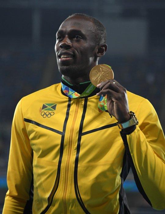 Usain Bolt reçoit sa médaille d\