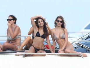 Yacht : farniente et bronzette chez les people