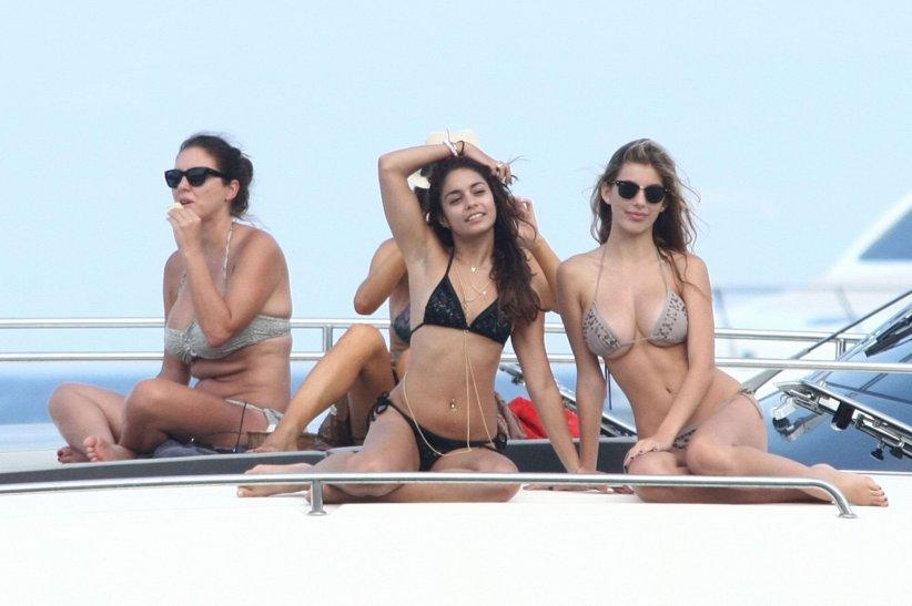 Selena Gomez : destination soleil et bronzette sur un yacht