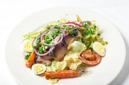 Salade fraîcheur au maquereau mariné