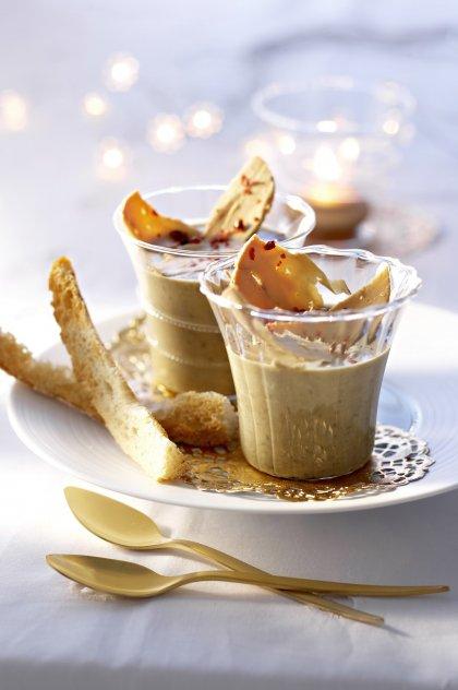 Verrine à la mousse de foie gras et confit d'oignon